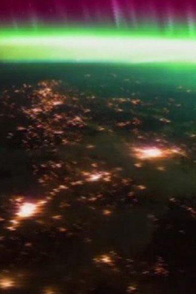 vista-de-aurora-borealis-lunes