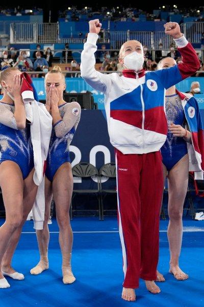 The ROC women's gymnastics team celebrates