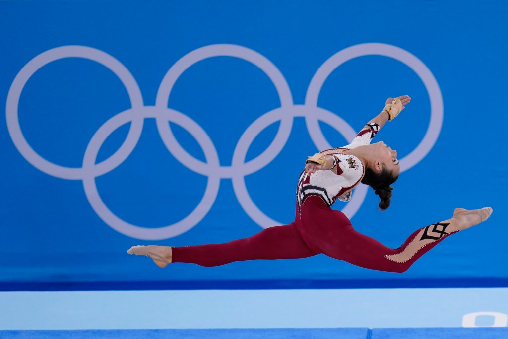 Pauline Schaefer-Betz, of Germany, performs her floor exercise routine during the women's artistic gymnastic qualifications at the 2020 Summer Olympics, Sunday, July 25, 2021, in Tokyo.