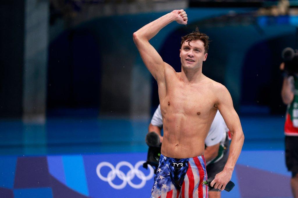 USA's Robert Finke celebrates after winning