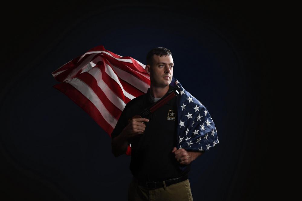 وقتی منتقدان جواد فروغی چشم خود را به روی ورزشکاران ارتش آمریکا میبندند
