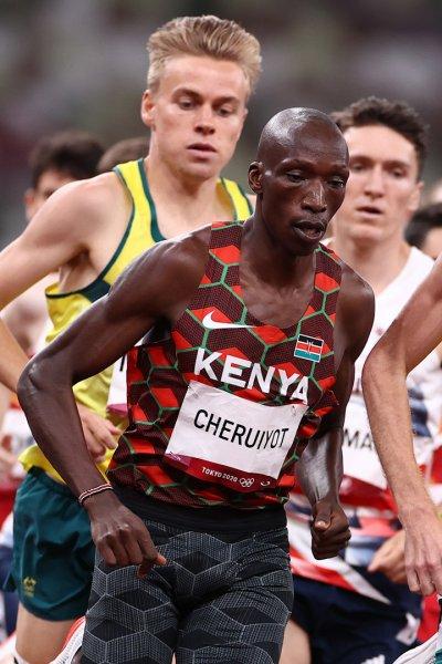 Runners in the men's 1500m final.